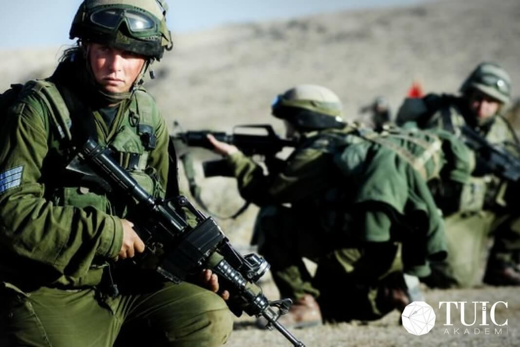 İsrail'in Suriye Sınırı Tatbikatı