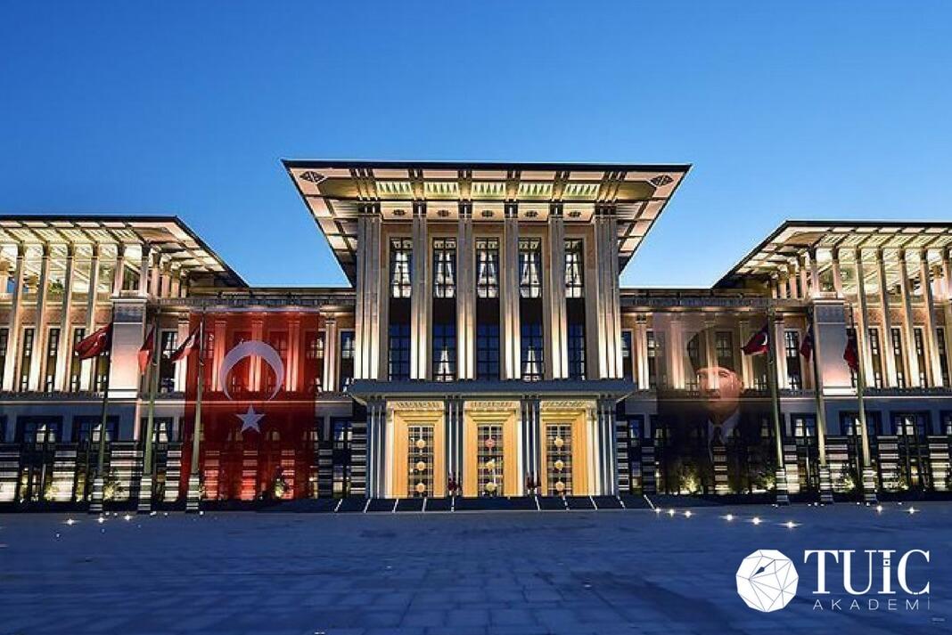 Mehmet Bülent Uludağ ile Türkiye'de Anayasa ve Sistem Tartışmaları Üzerine Söyleşi
